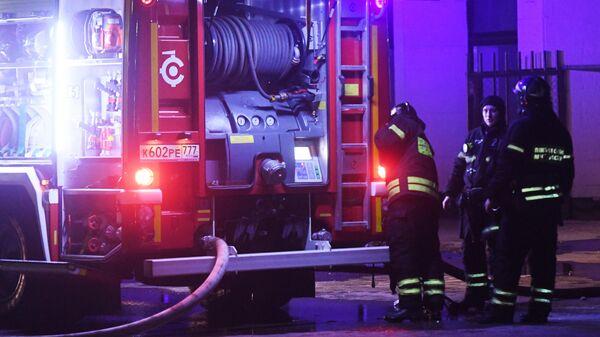 Сотрудники противопожарной службы МЧС