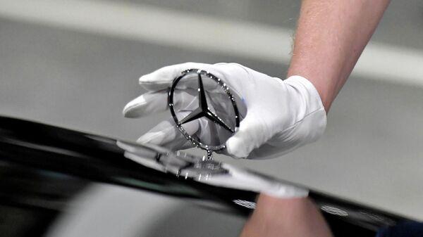 Mercedes отозвал в России около тысячи машин