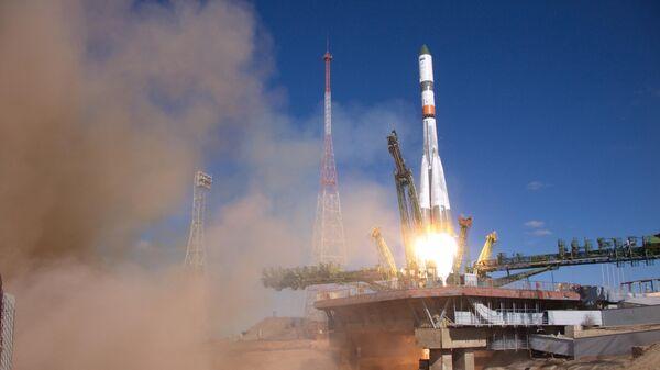 Пуск ракеты-носителя Союз-2.1а с грузовым кораблем Прогресс МС-11 с космодрома Байконур. 4 апреля 2019