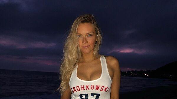 Бросил футбол ради нее: девушка экс-звезды НФЛ меняет стандарты красоты
