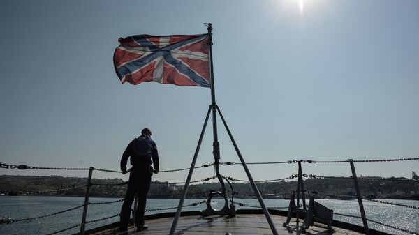 Матрос на сторожевом корабле Ладный на военно-морской базе Черноморского флота РФ в Севастополе