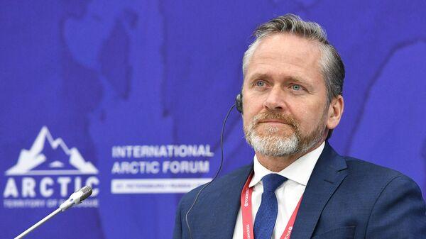 Министр иностранных дел Дании Андерс Самуэльсен во время сессии Арктика: арена противостояния или сотрудничества?
