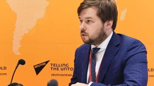 Заместитель министра энергетики РФ Павел Сорокин в эфире радио Sputnik на полях Международного арктического форума
