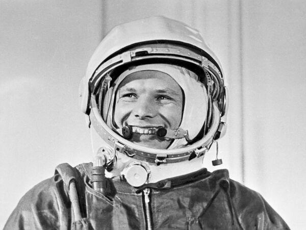 Первый человек полетевший в космос, летчик-космонавт СССР,  Герой Советского Союза Юрий Алексеевич Гагарин