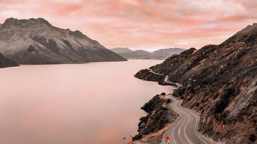 Новая Зеландия. Дорога в город-курорт Куинстаун
