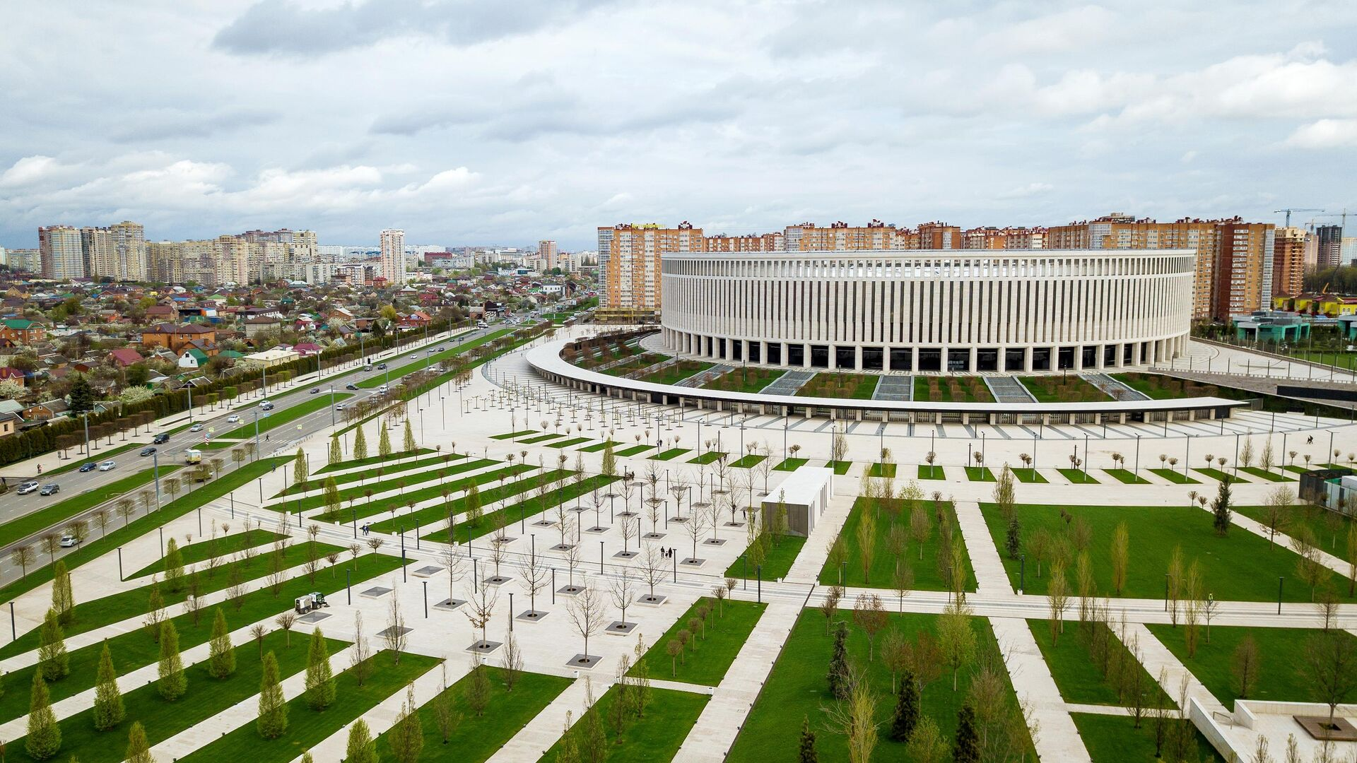 Территория парка возле стадиона ФК Краснодар - РИА Новости, 1920, 28.07.2021
