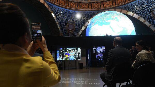 Концерт классической музыки Чайковский и космос, приуроченный ко Дню космонавтики, в центре Космонавтика и авиация в павильоне Космос на ВДНХ в Москве