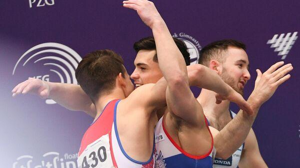Дмитрий Ланкин и Артур Далалоян (слева направо на первом плане) во время церемонии награждения