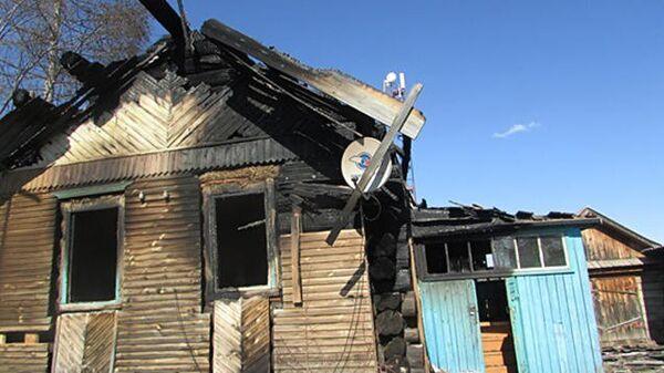 Сгоревший дом в поселке Барахоево