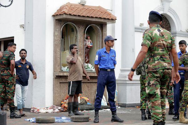 На месте взрыва в церкви в Коломбо, Шри-Ланка. 21 апреля 2019