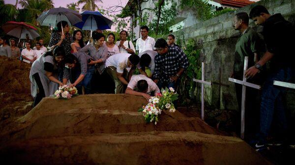 Похороны жертв взрыва в церкви Святого Себастьяна в Негомбо, Шри-Ланка. 22 апреля 2019
