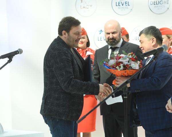 Сергей Минаев – самый летающий писатель