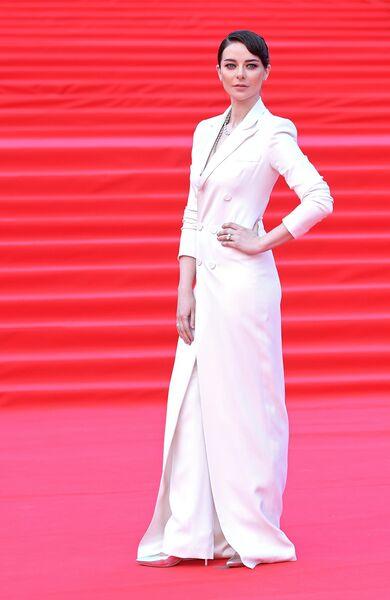 Актриса Марина Александрова во время церемонии закрытия 41-го ММКФ в Москве