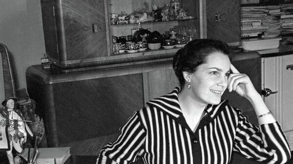 Актриса театра и кино Элина Быстрицкая