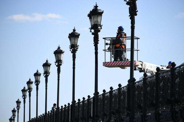 Подготовка объектов городского освещения к весенне-летнему сезону