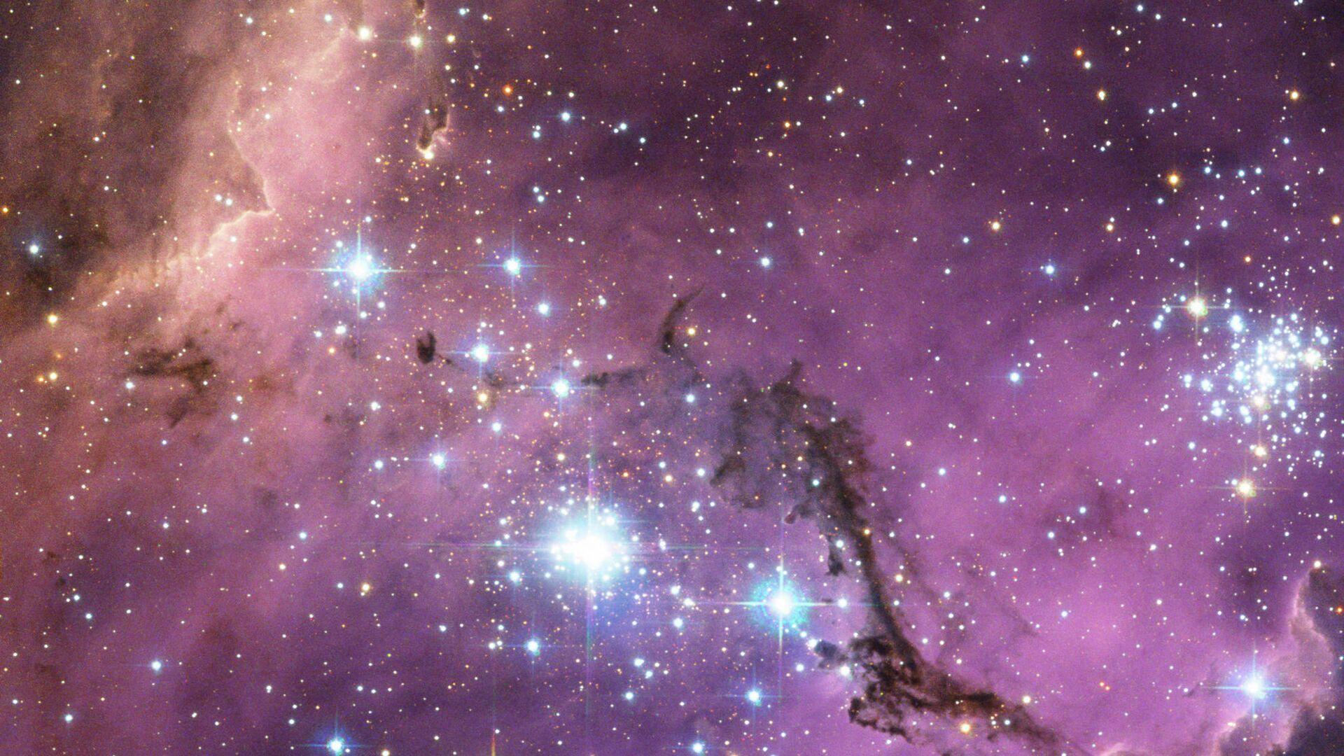 Ученые выяснили, что наша Галактика вытягивается и скручивается