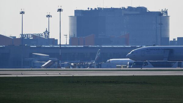 Самолеты на взлетной полосе аэропорта Шереметьево