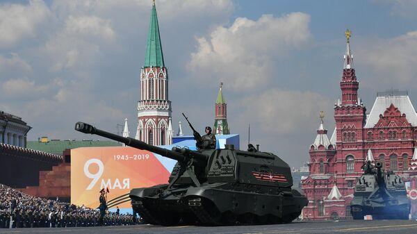 Самоходная артиллерийская установка (САУ) Мста-С на генеральной репетиции военного парада на Красной площади
