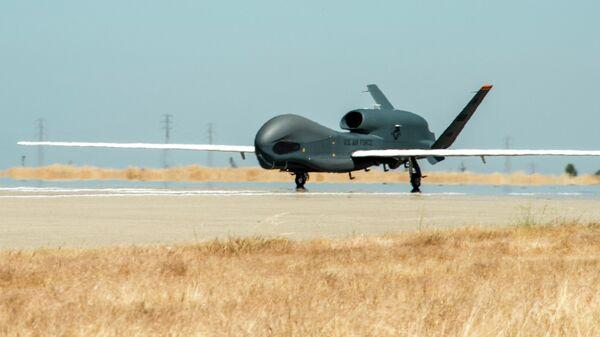 Американский стратегический разведывательный БПЛА RQ-4 Global Hawk