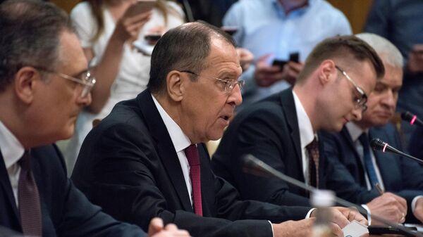 Министр иностранных дел России Сергей Лавров во время встречи с министром иностранных дел Китая Ван И в Сочи. 13 мая 2019