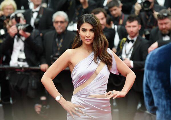 Ливанская модель Паола Элситт на красной дорожке церемонии открытия 72-го Каннского международного кинофестиваля