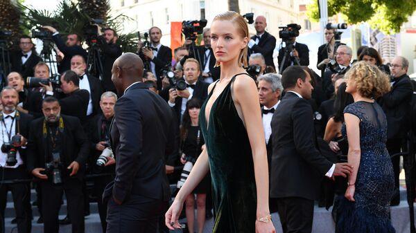 Российская модель Дарья Строкоус на красной дорожке премьеры фильма Рокетмен (Rocketman) в рамках 72-го Каннского международного кинофестиваля