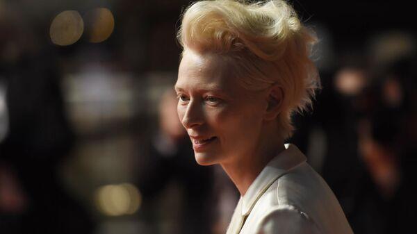 Британская актриса Тильда Суинтон на красной дорожке фильма Однажды... в Голливуде в рамках 72-го Каннского международного кинофестиваля