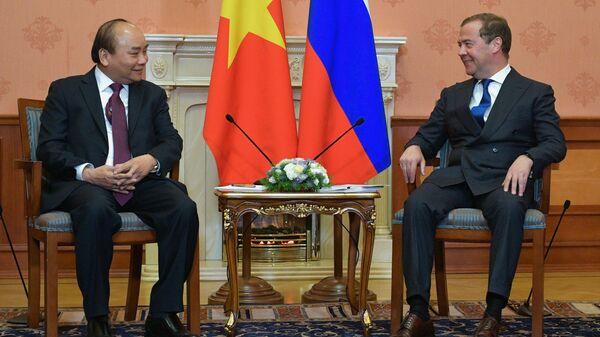 Медведев обсудит с премьером Вьетнама актуальные вопросы