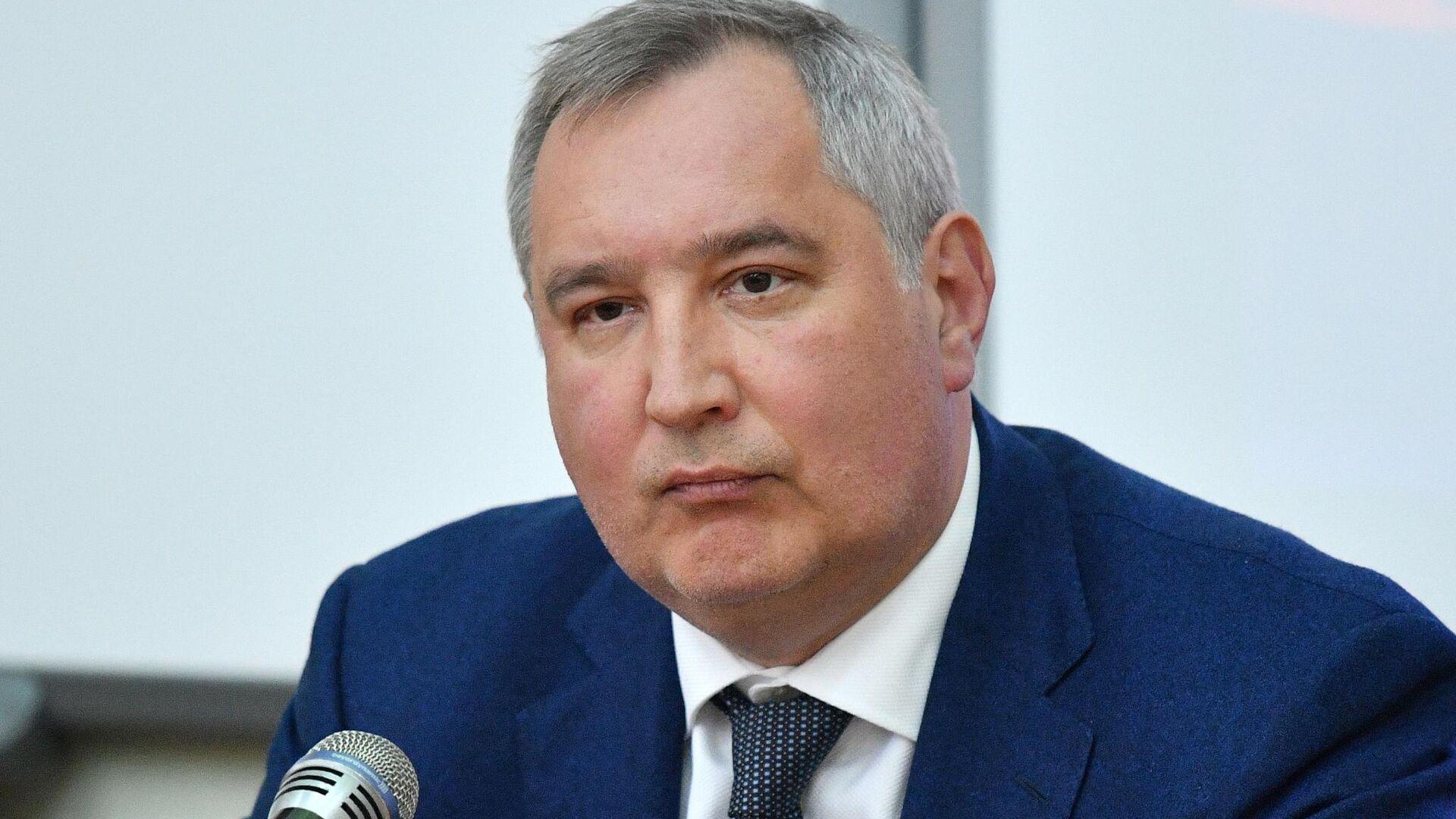 Рогозин сравнил космические планы США с производством жвачки на Луне