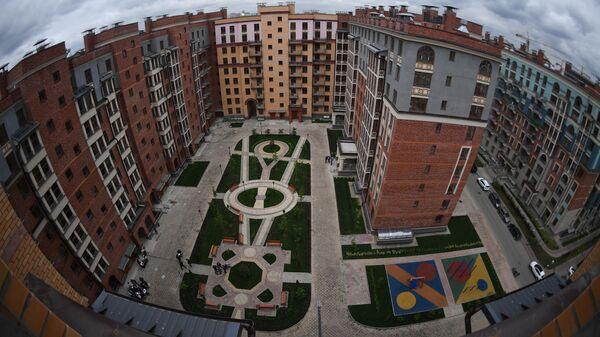 В. Мутко посетил ЖК Видный город