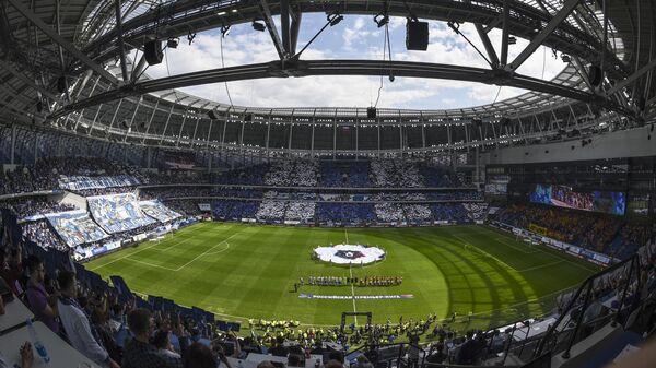 Матч Динамо - Арсенал на стадионе имени Льва Яшина в Москве.