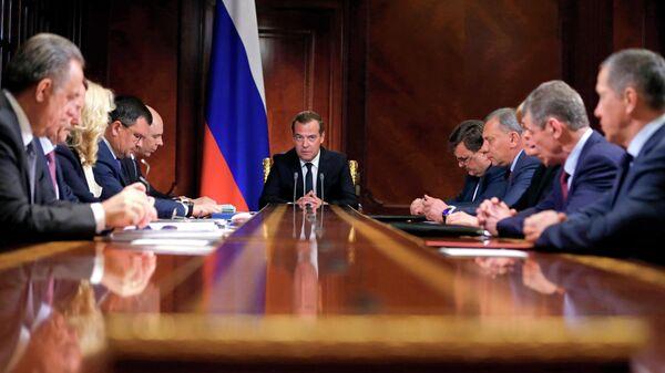 Председатель правительства РФ РФ Дмитрий Медведев проводит совещание с вице-премьерами РФ. 27 мая 2019