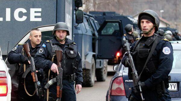 Косовские полицейские