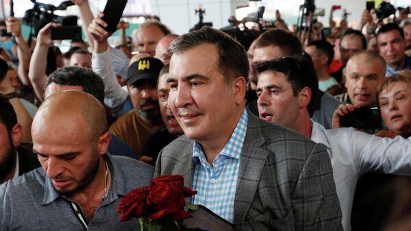 """""""Цирк собирается"""": в Сети обсуждают возвращение Саакашвили на Украину"""