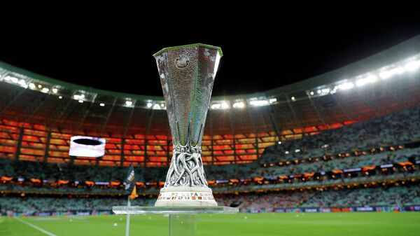 Трофей Лиги Европы на стадионе в Баку