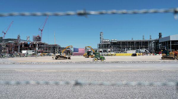 Строительство завода по производству сжиженного природного газа (СПГ) в Хакберри, США
