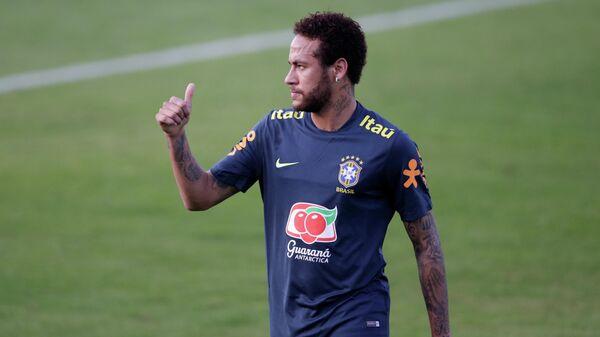 Неймар на тренировке сборной Бразилии