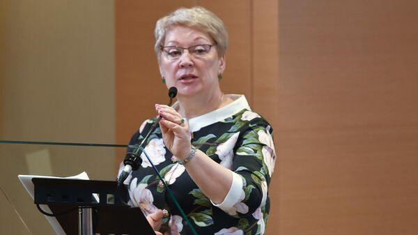 Министр просвещения РФ Ольга Васильева выступает на итоговом заседании