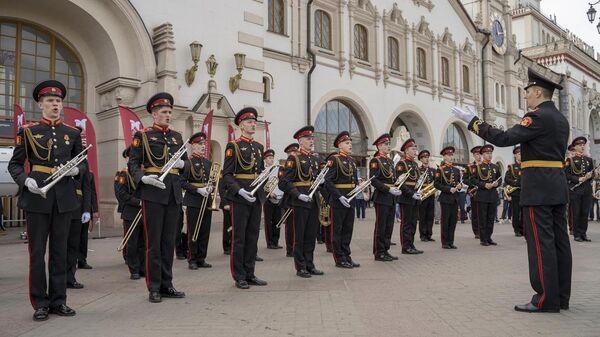 В День защиты детей состоялся концерт суворовцев - участников фестиваля Спасская башня