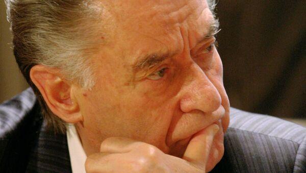 Мэр Нью-Йорка наградил поэта Андрея Дементьева за вклад в культуру