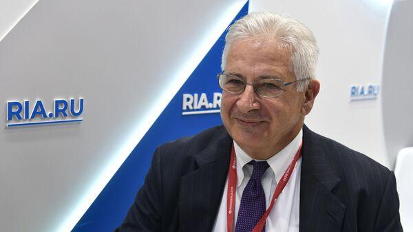 Директор Американской торговой палаты в России Алексис Родзянко во время интервью на стенде МИА Россия сегодня в конгрессно-выставочном центре Экспофорум на ПМЭФ-20019