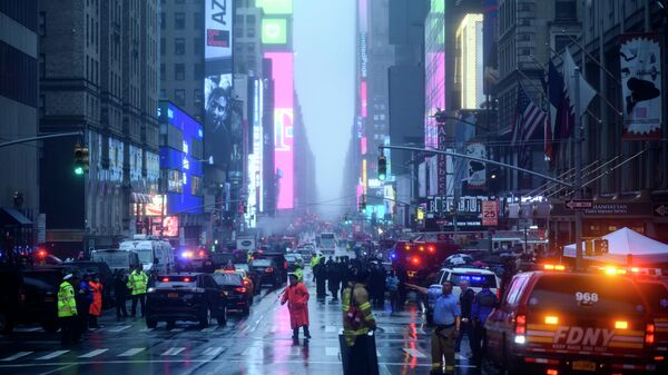 Возле места крушения вертолета в Нью-Йорке