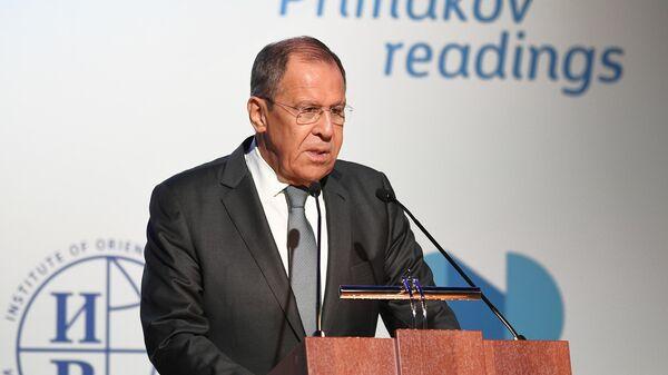 Россия надеется на урегулирование ситуации на Украине, заявил Лавров