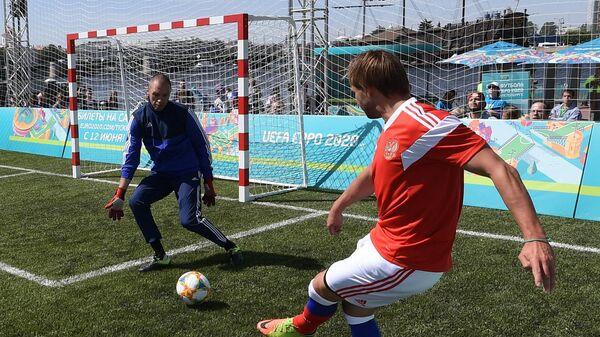 Звезды российского футбола победили послов ЧЕ-2020, Сычев забил 7 голов
