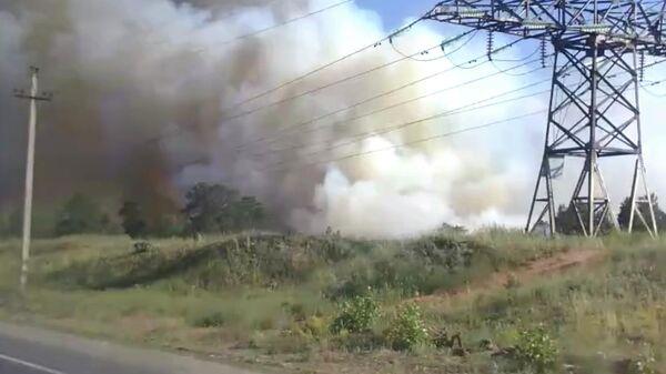 Стоп-кадр видео пожара возле железнодорожной станции Курумоч в Самарской области. 12 июня 2019