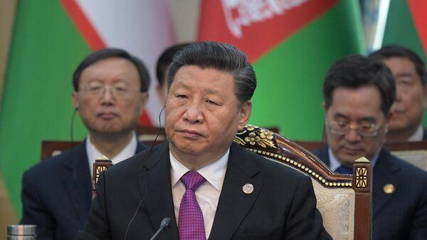КНР Си Цзиньпин принимает участие в заседании Совета глав государств - членов Шанхайской организации сотрудничества в расширенном составе в государственной резиденции Ала-Арча в Бишкеке. 14 июня 2019
