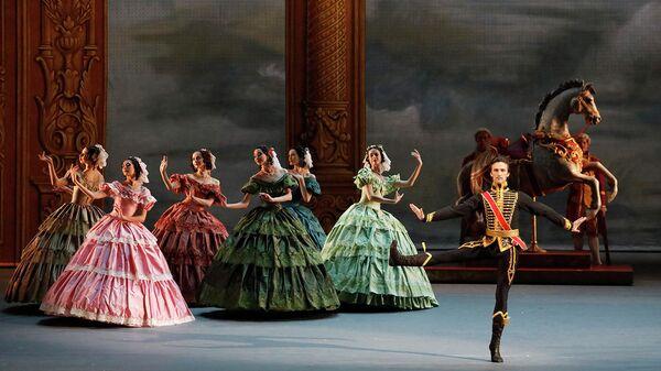 Премьера балета Парижское веселье