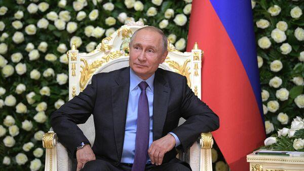 Президент РФ Владимир Путин прибыл в Душанбе для участия в саммите СВМДА. 14 июня 2019