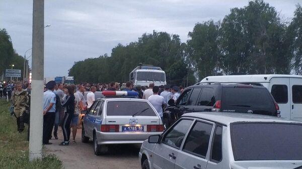 Народный сход с перекрытием шоссе М5 в селе Чемодановка Пензенской области. 14 июня 2019