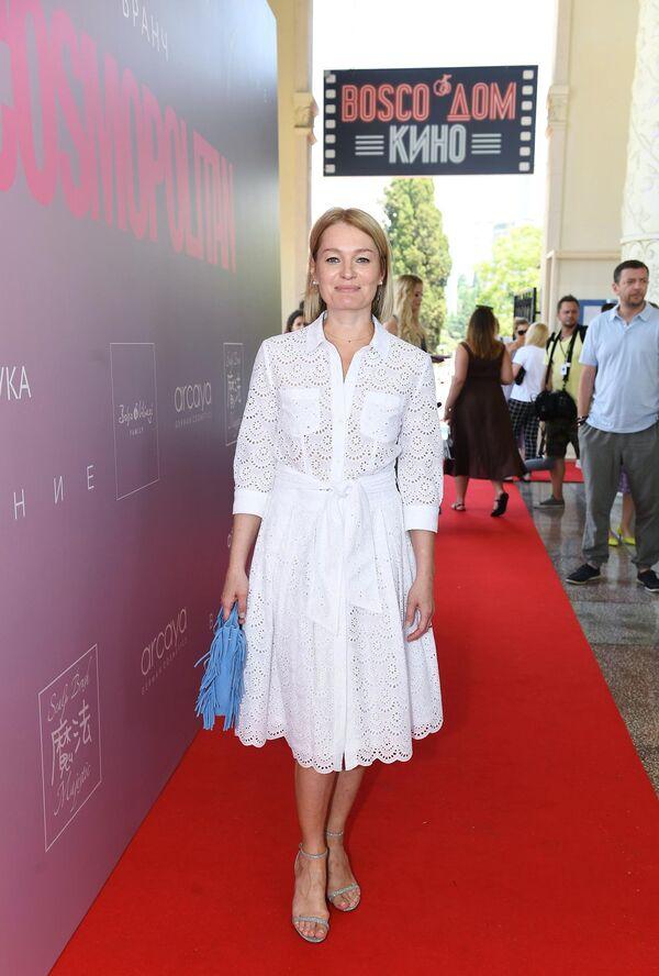 Актриса Виктория Толстоганова на бранче в рамках 30-го Открытого фестиваля российского кино Кинотавр